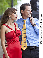 Una pareja romántica de hombres y mujeres