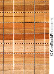 Una pila de madera de tablón con alambre de pared