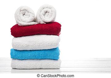 Una pila de toallas