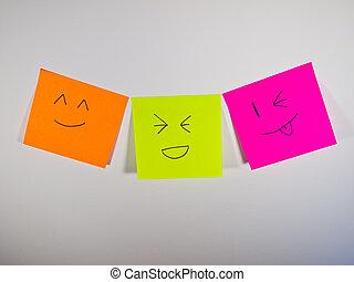 Una sonrisa colorida en el post-it
