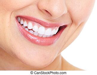 Una sonrisa de mujer feliz. Cuidado dental.
