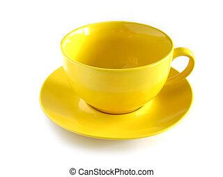 Una taza amarilla vacía