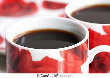 Una taza de café roja