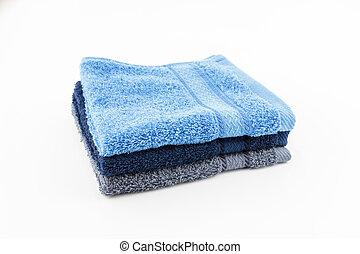 Una toalla colorida sobre fondo blanco