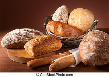 Una variedad de pan asado