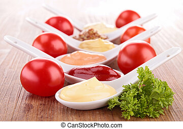 Una variedad de salsa