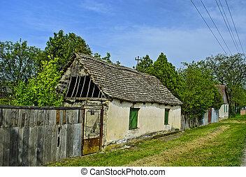 Una vieja granja en ruinas