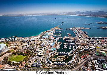 Una vista aérea del puerto de Cape Town