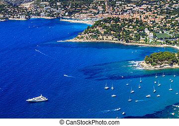 Una vista aérea sobre la casis y la costa calanca, al sur de Francia