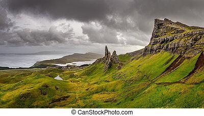 Una vista panorámica del viejo de las montañas cigüeñas, scottish Highlands, un reino unido