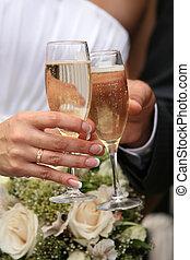 Unas copas de champaña