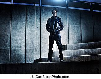 urbano, distopic, concreto, norteamericano, pasos, hombre africano, fresco