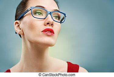 Usando gafas