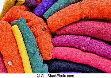 vívido, contra, mujeres, colores, brillante, white., cárdigans, suéteres, pila