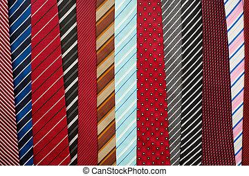 Variedad de corbatas coloridas