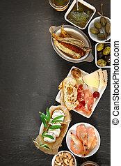 Varios aperitivos gourmet vistos desde arriba