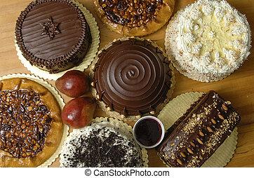 Varios pasteles en exhibición
