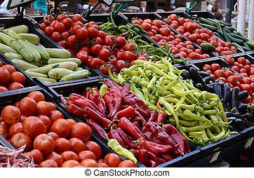 Vegetales frescos y orgánicos en el mercado agrícola