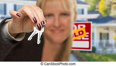vendido, propiedad, encima, nuevo, agente, casa, atrás, entregar, llaves, verdadero, señal