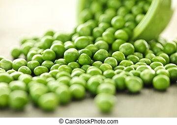 verde, derramado, tazón, guisantes