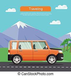 Viajando en coche. Auto en camino cerca de las montañas.