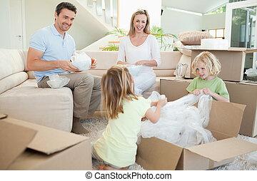 vida, caja, desembalar, cartón, espacio familia