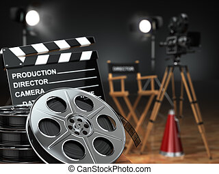 Video, película, concepto de cine. Cámara retro, carretes, clapperboard