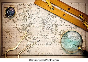 Viejo mapa y objetos de navegación.