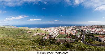 Vista aérea de la zona residencial de Santa Cruz de Tenerife Islands. España