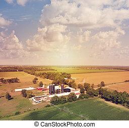 vista, campo, aéreo, edificios, granja, fields.