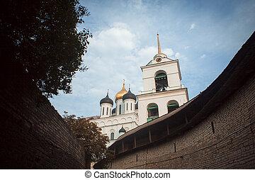 Vista de Pskov Kremlin