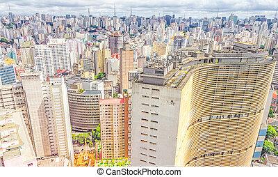 Vista de Sao Paulo y el famoso edificio de copan