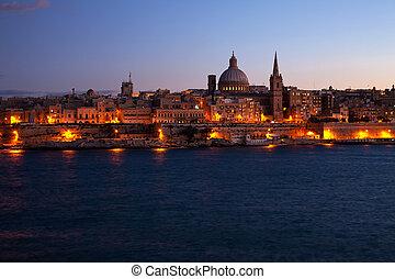 Vista nocturna de Valletta, Malta