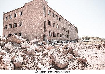 windows, ladrillo, roto, vista lateral, edificio, abandonado, viejo