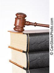 Wooden diol y libros de leyes