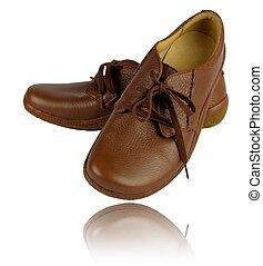 Zapatos cómodos de cuero marrón